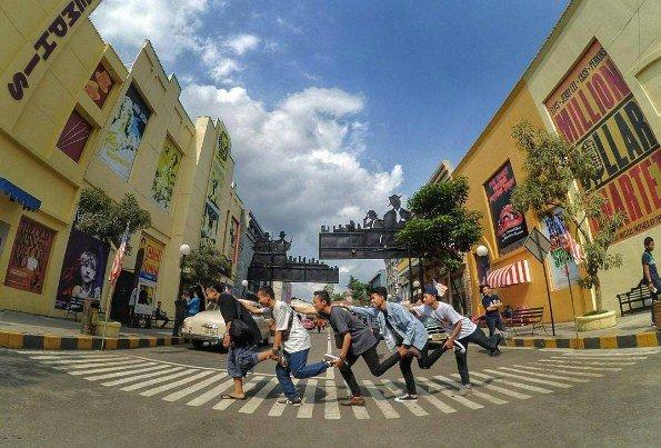 Jelajah Zona Dunia Di Museum Angkut Batu Malang