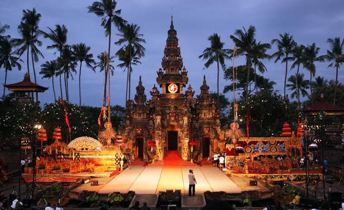 20 Rekomendasi Tempat Wisata Malam Di Pulau Bali
